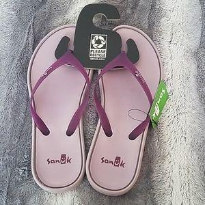 Sanuk Flip Flops